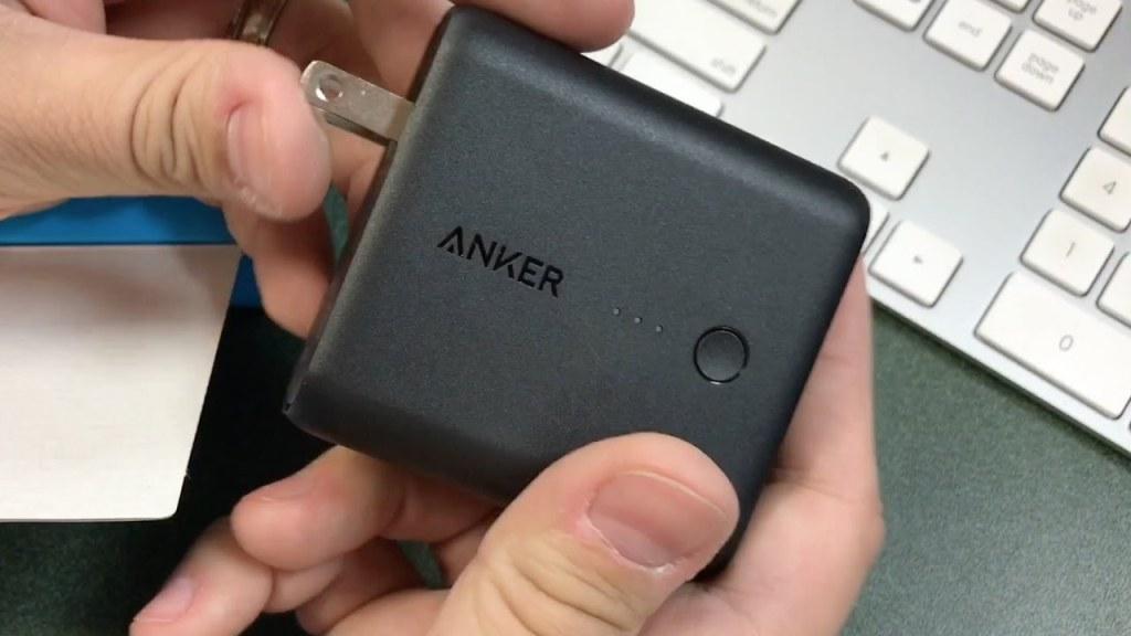 Anker PowerCore Fusion 5000mAh.